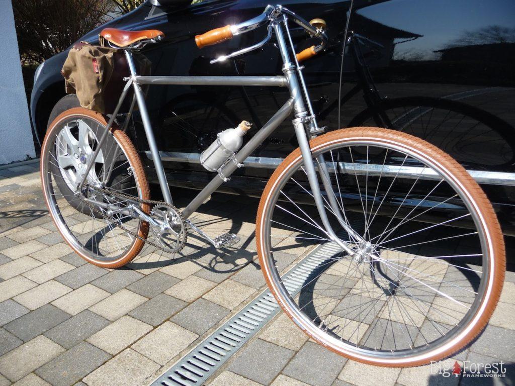 mtb selber bauen awesome holz fahrrad flxble wandhalter. Black Bedroom Furniture Sets. Home Design Ideas